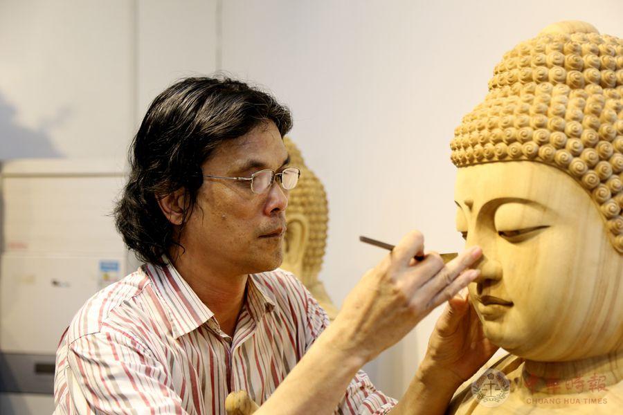 一颗诚心一尊佛 ——专访宝鸿工艺雕塑大师蔡春贵