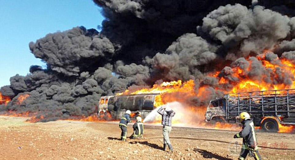 俄媒:俄轟炸機一夜間消滅恐怖分子40輛液罐汽車