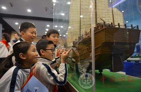 哈尔滨:学生展览馆里过寒假