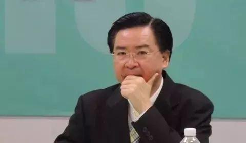 台高官爆解放军绕台军机数量 台军:又要帮当局擦屁股
