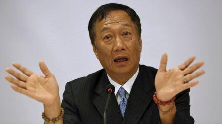 郭台铭再谈台防务靠和平:为何要中国人打中国人?