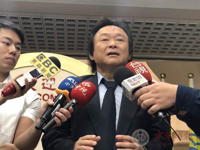 韩国瑜陷4千万疑云 蓝议员王世坚力挺:他不是贪财之人