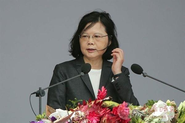 朱立伦批蔡英文:让台湾坐上了冲向黑暗的失速列车